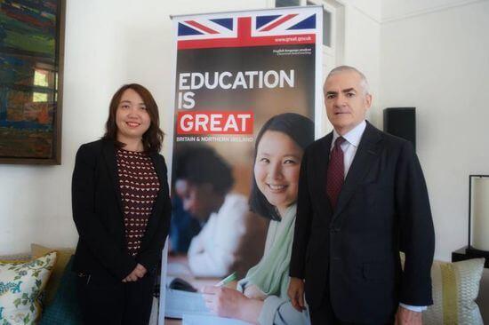 英国约30%留学生来自中国 未来教育领域合作更密切