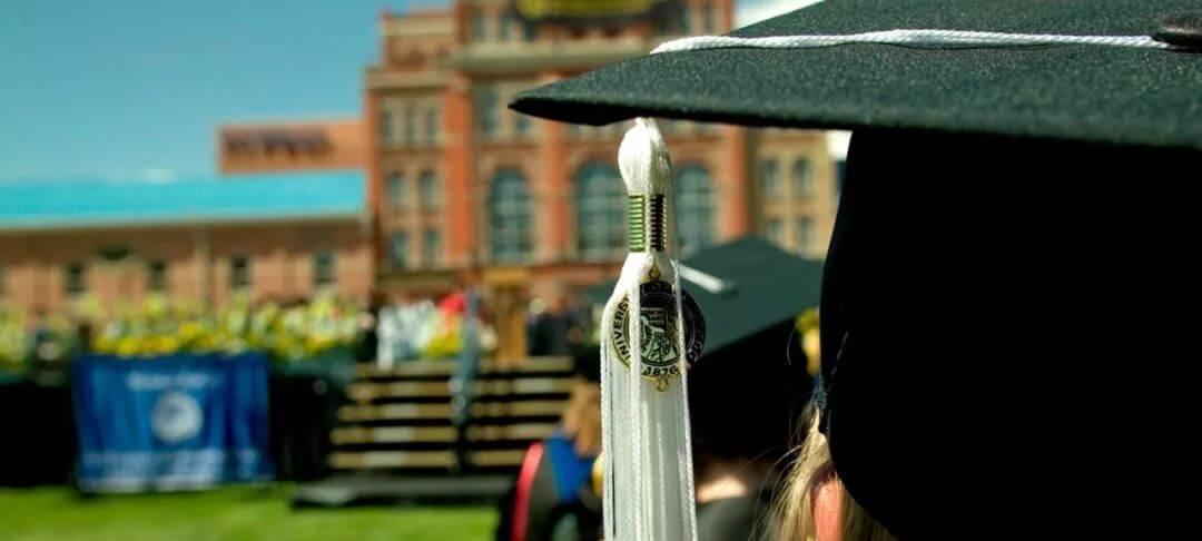 """大学生毒鸡汤!献给毕业狗的""""忠告"""":你很快会变成一个愤世嫉俗的混蛋!"""