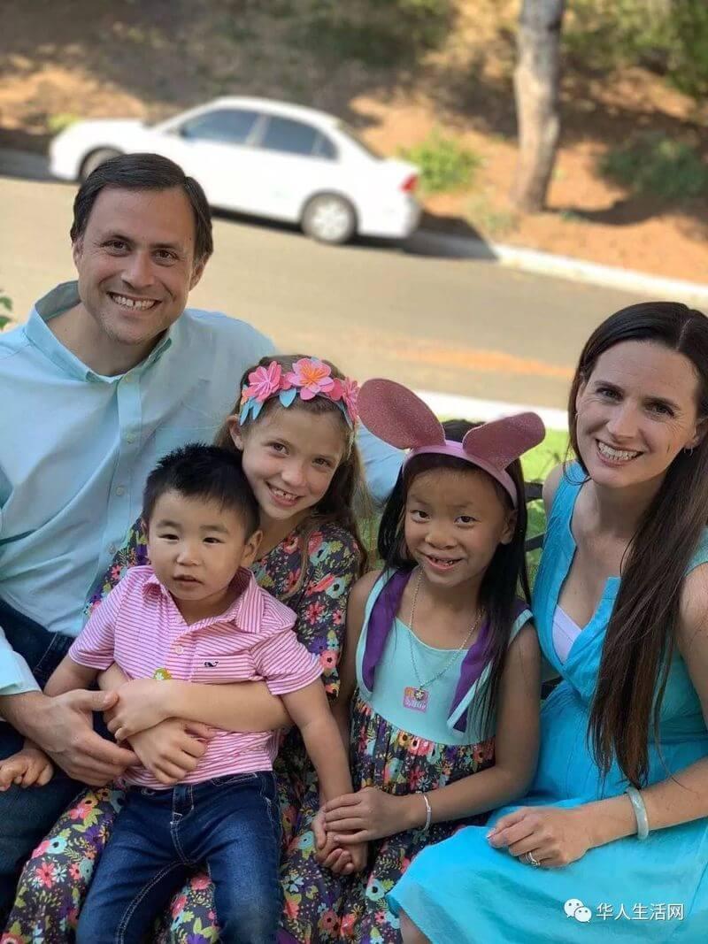 美国妈妈去中国厦门留学,领养3个中国孩子,从此彻底改变