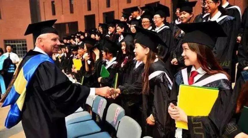 2019留美中国学生现状——越是年轻的学生越容易被开除?