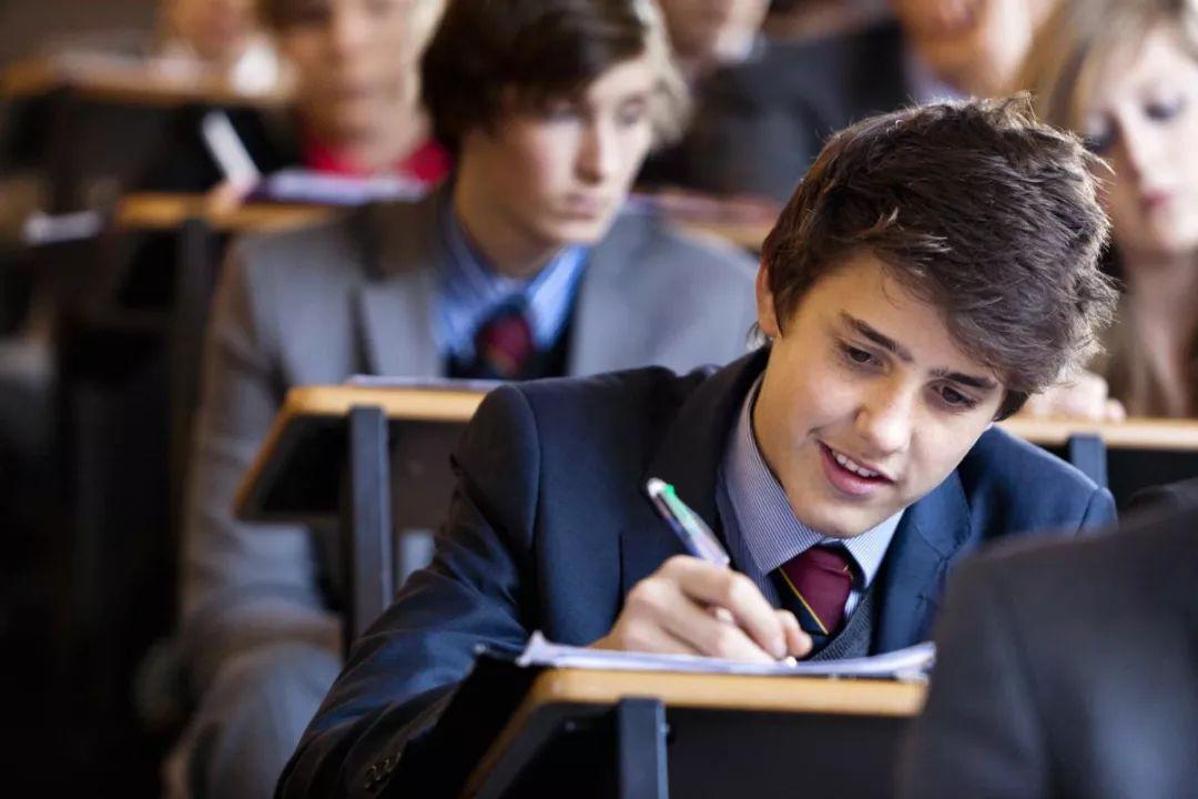 家长必看!英国公学取消CE考试