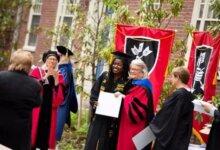哈佛大学校长2019年毕业演讲:乐观的人生态度,比什么都重要-留学世界 Study Overseas Global Study Abroad Programs Overseas Student International Studies Abroad