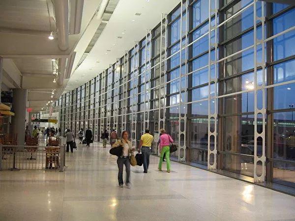 全球购物体验和美食体验最好的四个机场