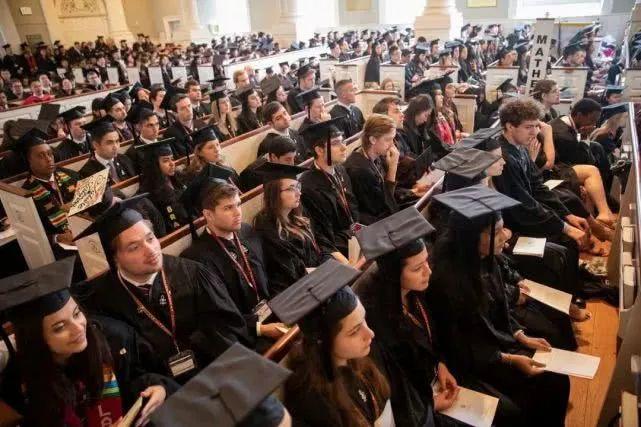哈佛大学校长2019年毕业演讲:乐观的人生态度,比什么都重要
