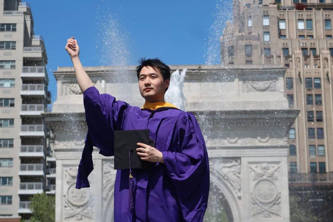 全美Top20毕业照即将闪耀时代广场!冠军作品由你来投!