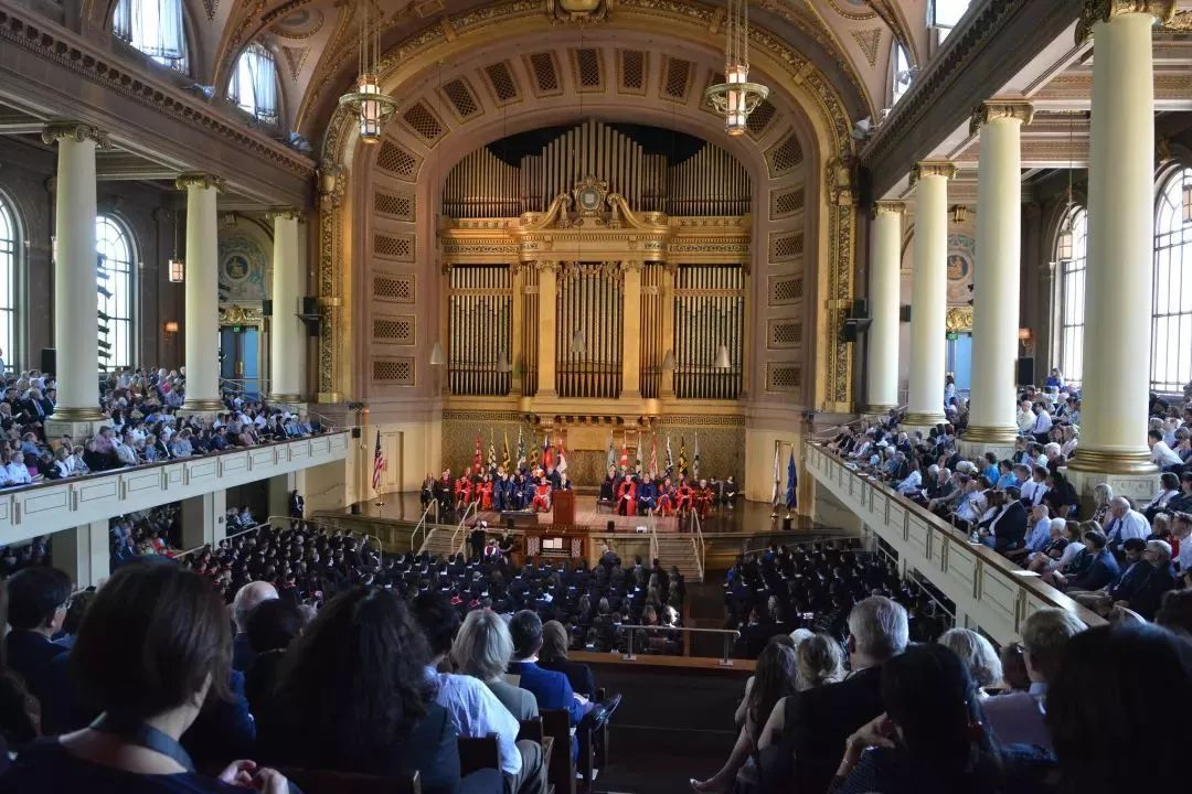 耶鲁大学校长2019毕业典礼演讲:今天比任何时代更难以说出你追求什么