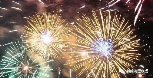一年一度的加拿大国庆节到啦!又到了开开心心看烟花表演的时候了~