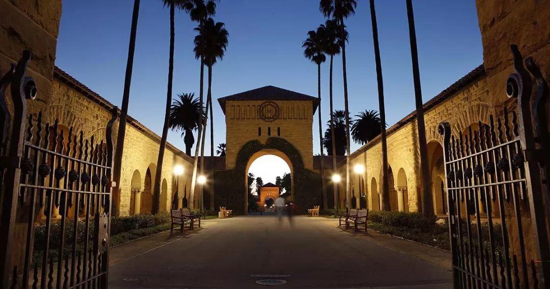 苹果CEO库克斯坦福大学毕业典礼致辞:企业责任与硅谷