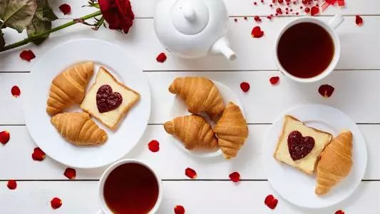 早餐到底该不该吃?传统观念VS科学研究