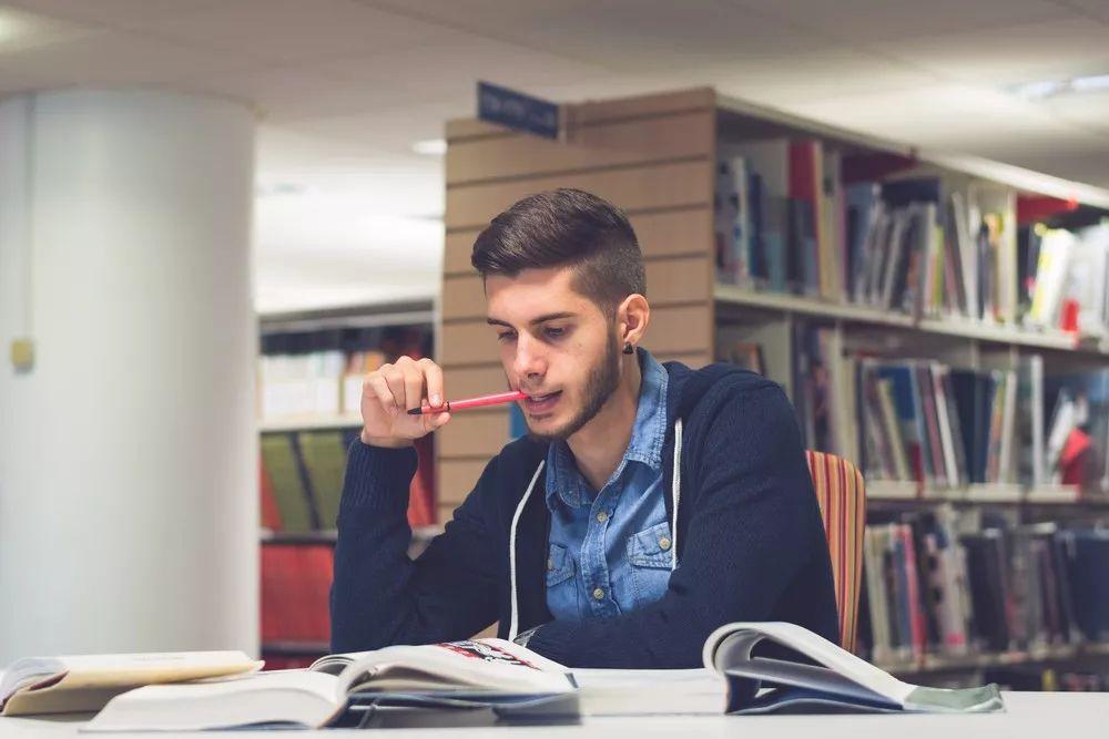美国高考:SAT 和 ACT,详解5大区别,哪一个更能拿高分?