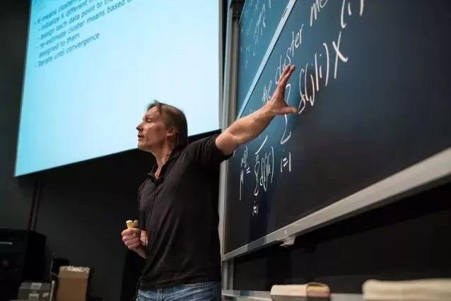 为何美国学生会放弃哈佛,你想去的大学有灵魂吗?