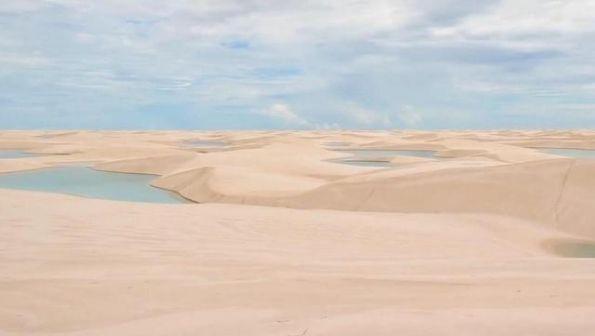 """世界最""""特殊""""沙漠,遍地湖泊鱼虾成群"""