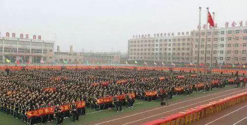 底层应试教育、中产素质教育、顶层精英教育, 美国教育的今天会是中国的明天?