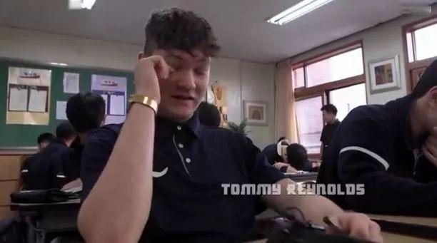 来亚洲高中交换三天后,英国学霸表示:身心被虐惨!