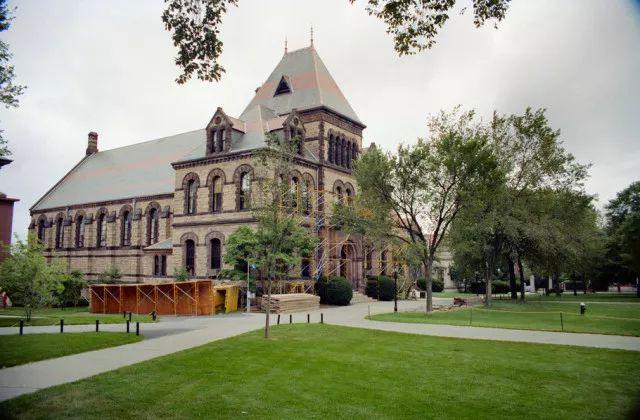 最开放的常春藤大学——布朗大学