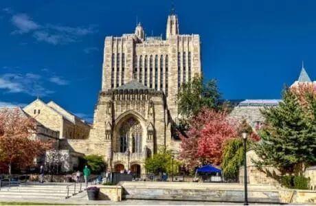 """哈佛大学与耶鲁大学持续百年的""""相爱相杀"""""""