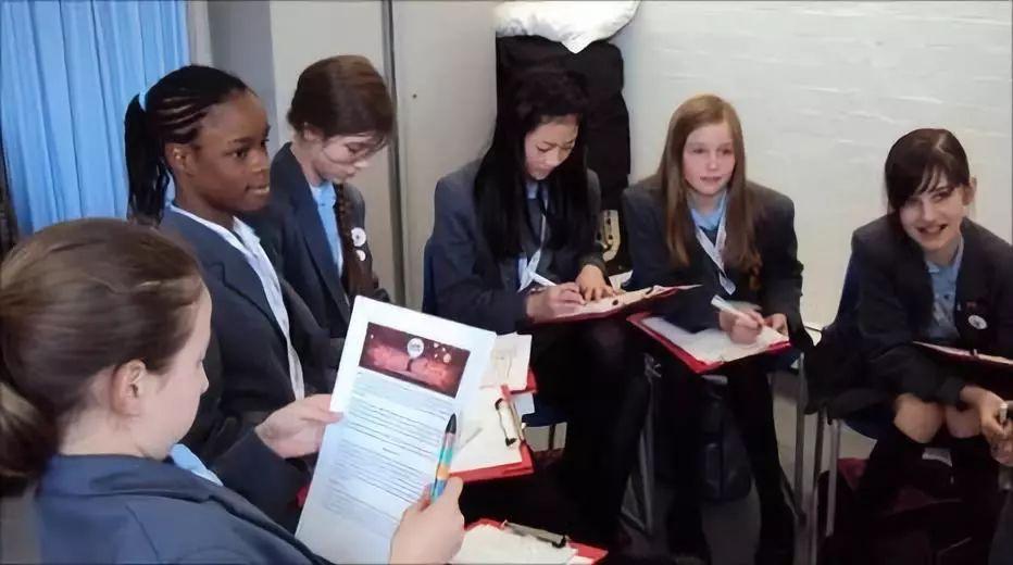 英国公校为抢中国生源出大招!威胁私校吸引力!