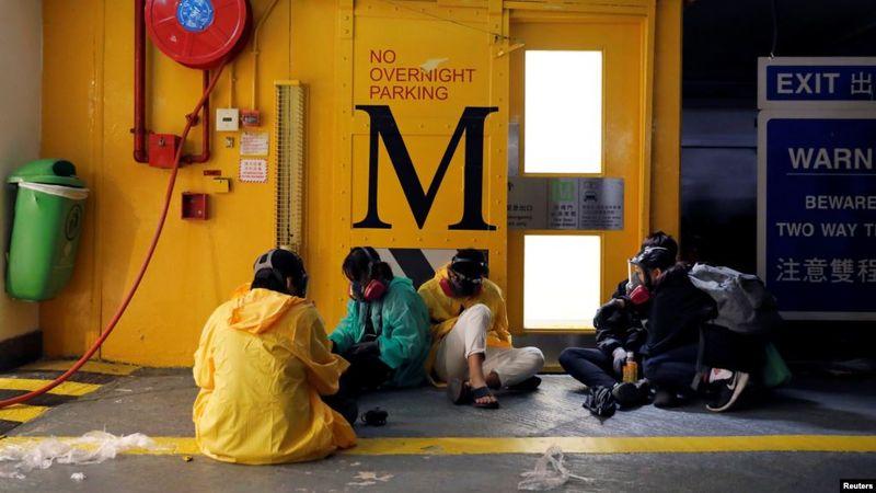 香港政府:香港理工大学近900人自首 会以暴动罪拘捕所有人!