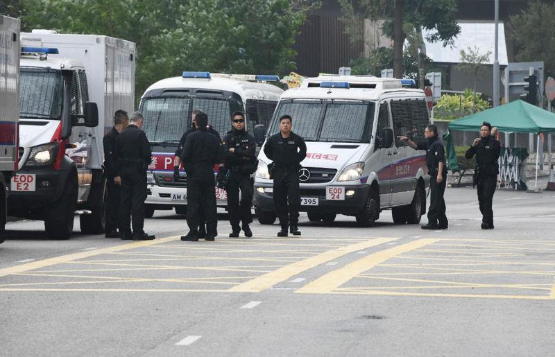 协调小组进入香港理工大学 外媒探访内部 像战区一样