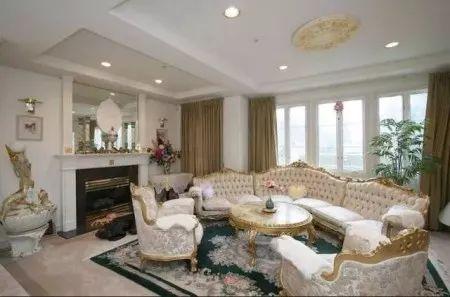 中国学生惨了:1.5亿买温哥华豪宅现跌800万,他亏239万温西卖房