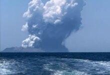 新西兰火山爆发最新情况!已有5人死亡,20多人下落不明!或有2个旅行团在现场…专家警告,另有这些火山,也蠢蠢欲动!-留学世界网