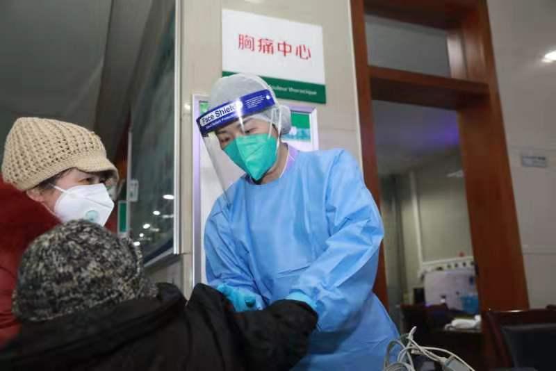 被 #武汉肺炎 感染护士康复后返岗称当护士肯定是有风险,但我会做好防护