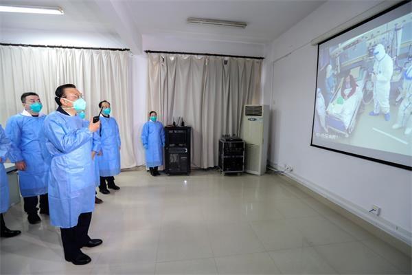 中国总理李克强来到武汉 指导 #武汉肺炎 疫情防控工作