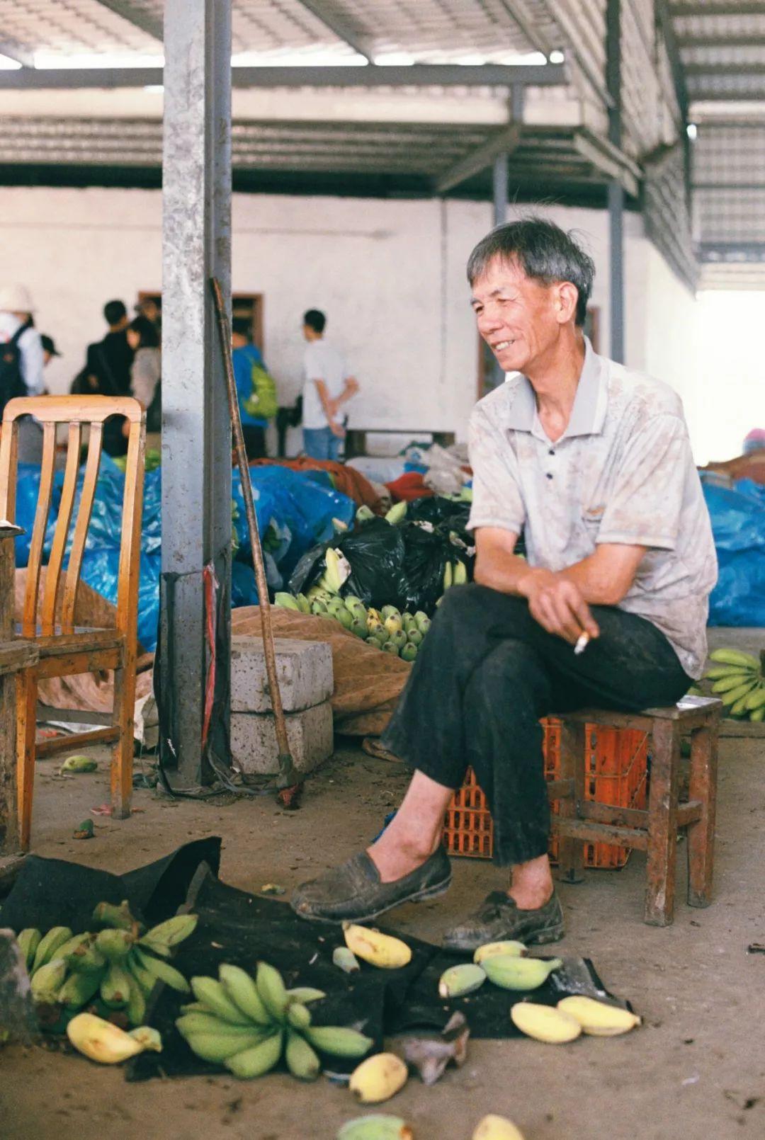 蒸香蕉、香蕉炖大鹅...在东莞,发现一片香蕉的海!