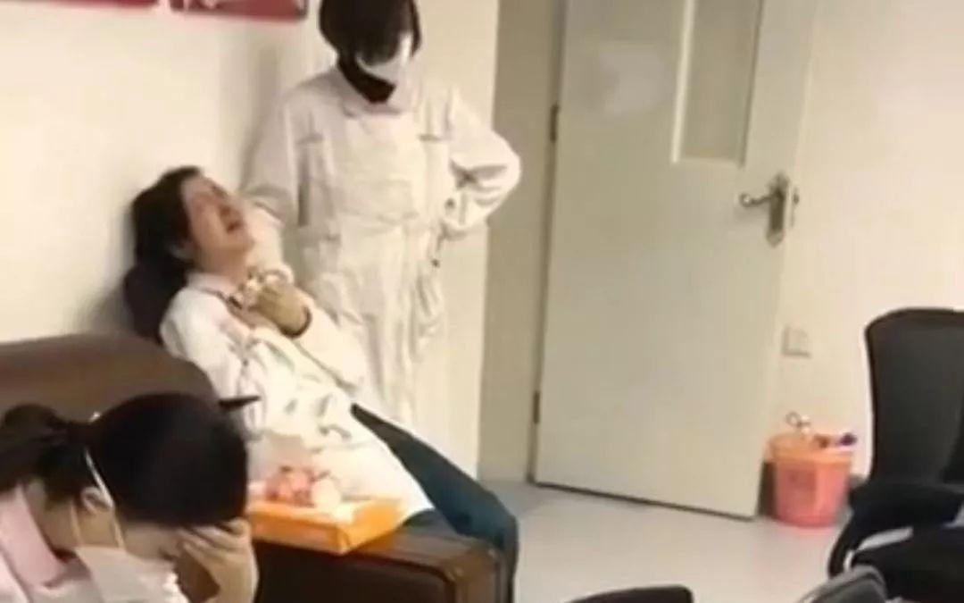 #武汉 医务工作者崩溃大哭视频 |神经崩溃的9种前兆你有吗? #武汉肺炎 #新型冠状病毒-留学世界网