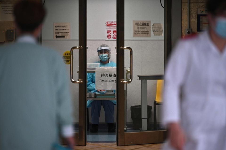 """疫情下, 香港金融区似乎已成""""鬼城"""""""
