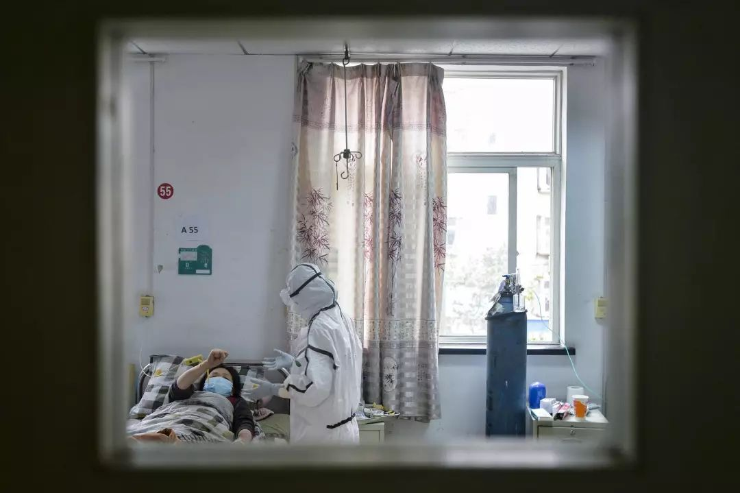 镜头下的武汉社区医院:临危受命的疫情最前线