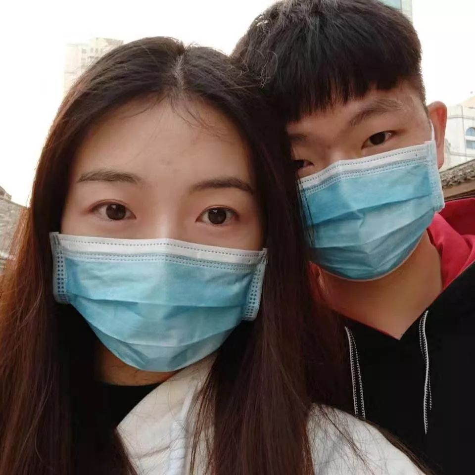 24个真实故事:疫情下怎么谈恋爱?
