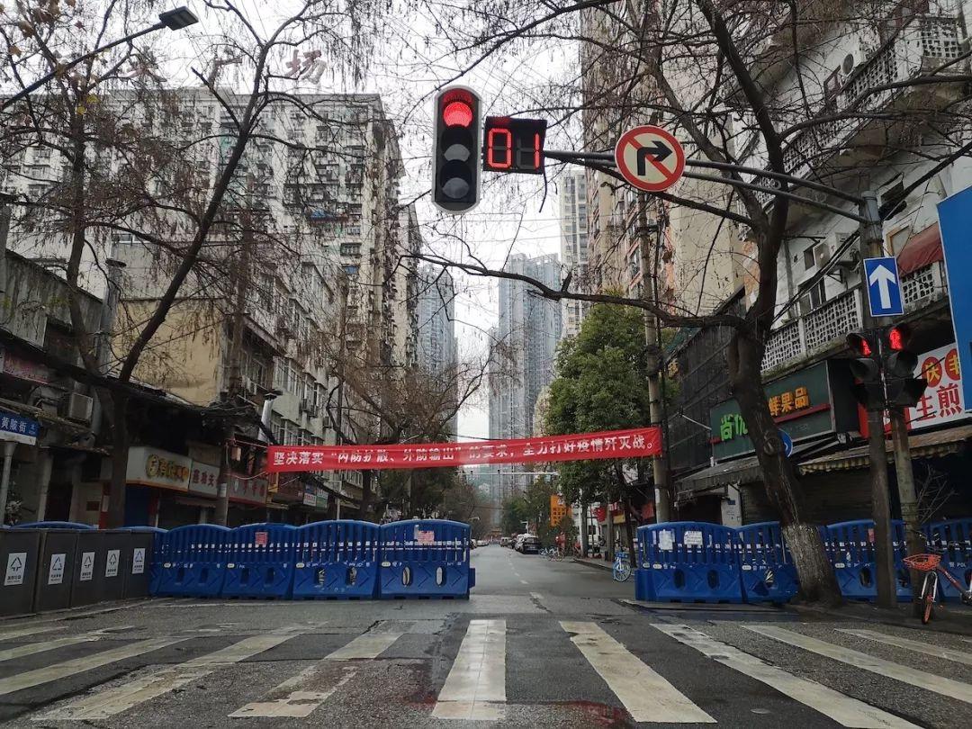 """""""封城""""之前逃离武汉,温州商人回乡隔离记"""