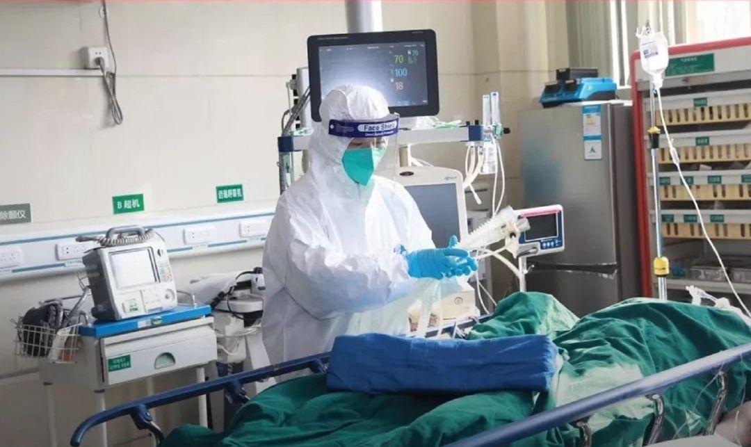 被感染护士治愈后重新上岗:如果我也害怕,大家可能都不干了