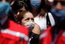 澳洲30万蝙蝠入侵! #武汉肺炎 #新型冠状病毒 肆虐,美国流感10000人死亡,这是什么魔幻的2020年...-留学世界网