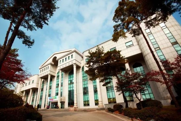 去韩国留学,你是否符合条件?