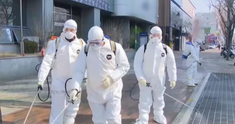 韩国不封城、不停工控制住疫情,靠什么?