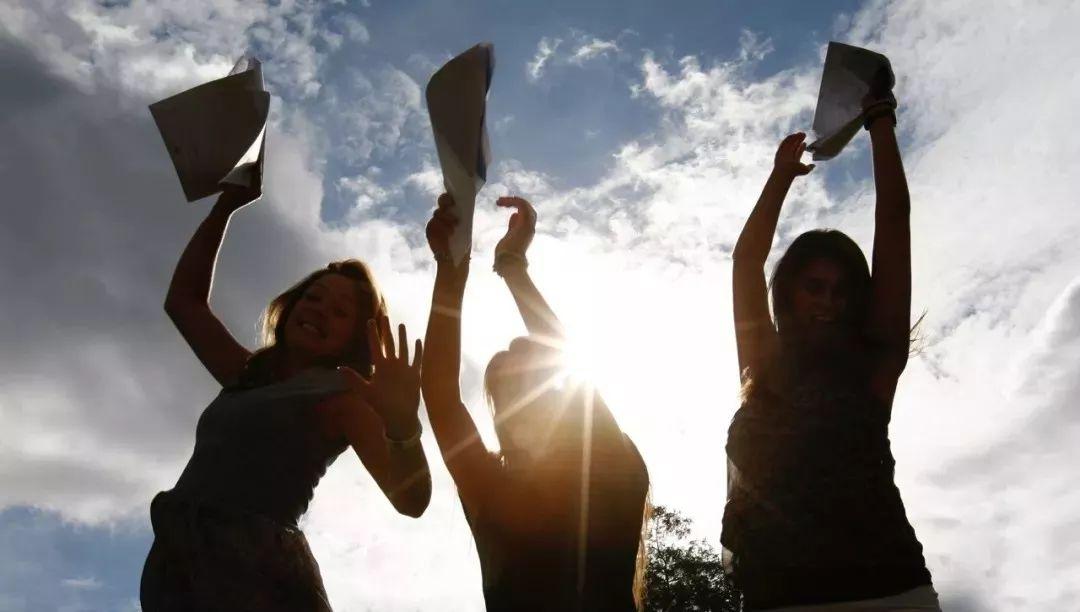 注意,2020年热门英国大学申请费汇总!惊喜,这12所大学不收申请费!!