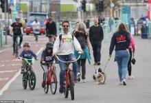 """英国人:""""我们要自由""""!海德公园人群示威抗议,布莱顿海滩人挤人 COVID-19 #武汉肺炎 #新型冠状病毒 #COVID19 #COVID_19 #CoronaVirusUpdates #COVIDー19 #COVID__19-留学世界网"""