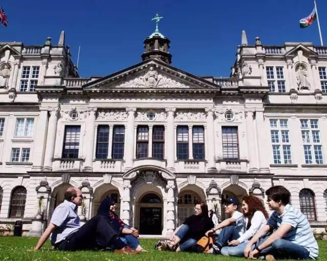 英国博士PSW签证延长至3年,2021留学生成第一批锦鲤!英国名校申请马上开始!